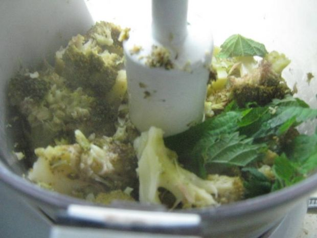 Pasta z brokuła i pokrzywy