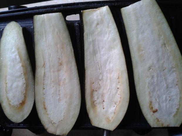 Pasta z fety z grillowanym bakłażanem