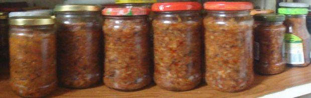 Pasta z grzybów w pomidorach