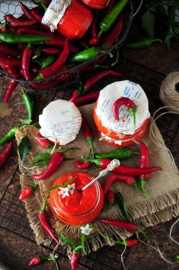 Pasta  z papryczek chili