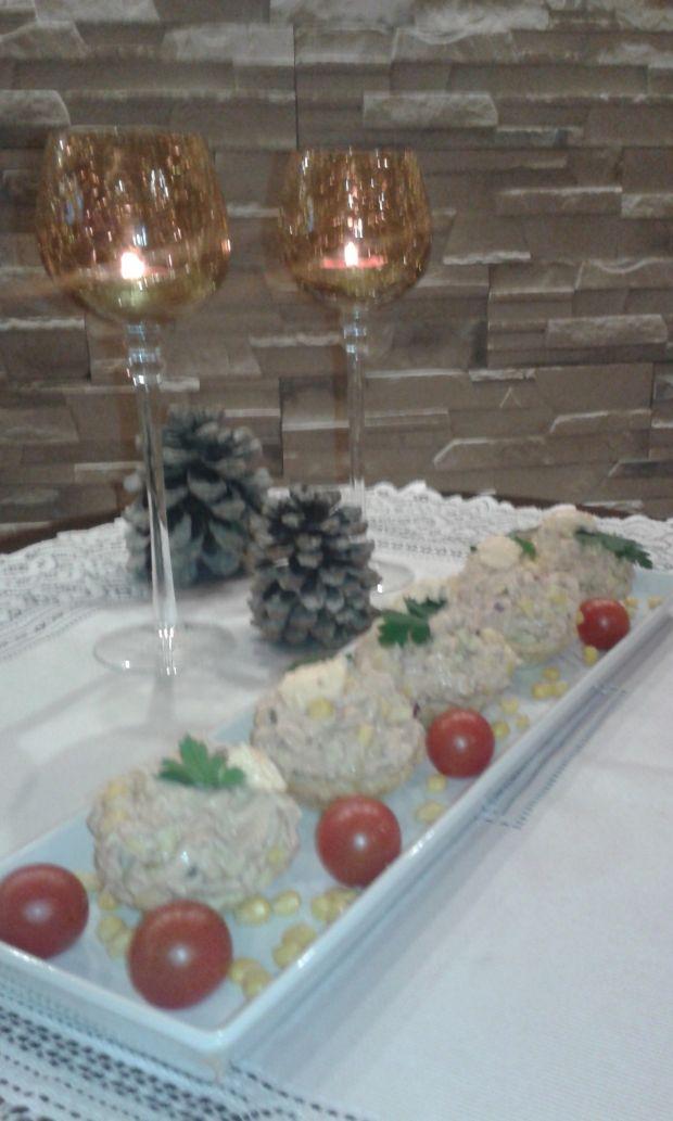 Pasta z tuńczyka w krucho - pikantnych babeczkach