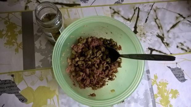 Pasta z tuńczyka z ogórkiem i oliwkami