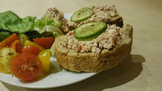 Pasta z tuńczyka z twarogiem i warzywami