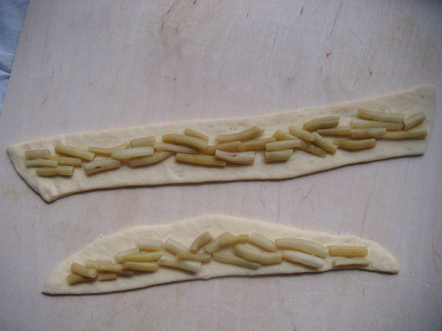 Paszteciki z fasolą i serem