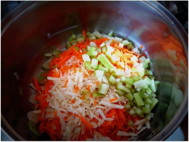 Pasztet warzywny z ciecierzycą