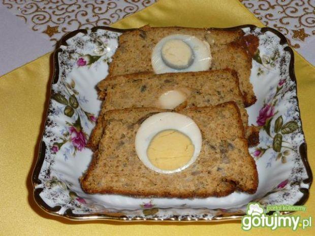 Pasztet z jajeczkiem