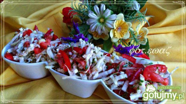 Pekinka z pomidorem i rzeżuchą