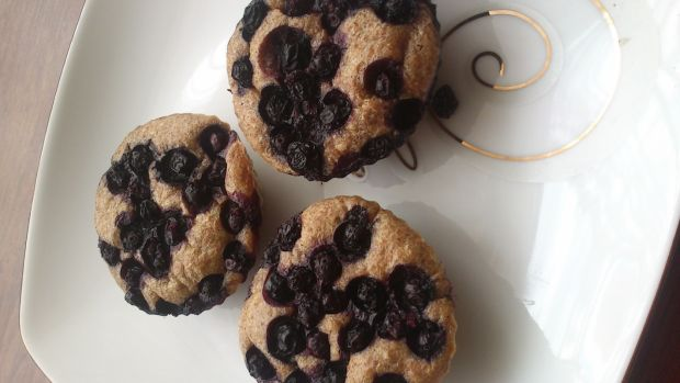 Pełnoziarniste muffiny z jagodami