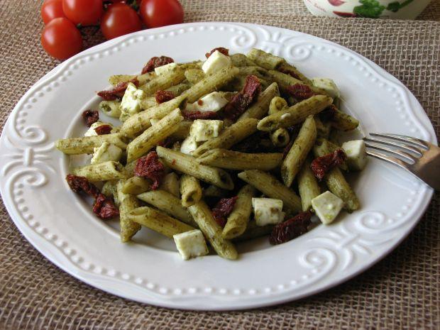 Penne z Pesto i suszonymi pomidorami