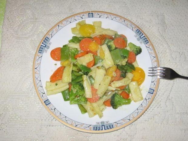 Penne z warzywami i parmezanem