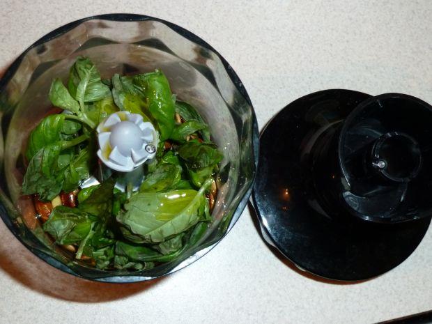 Pesto bazyliowe na bazie prażonych pestek dyni