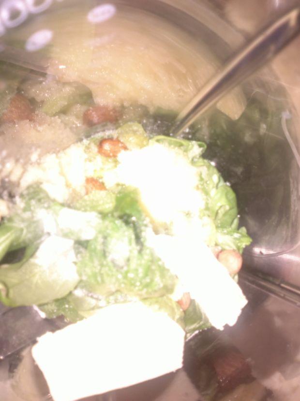 Pesto kremowe z migdałami gina