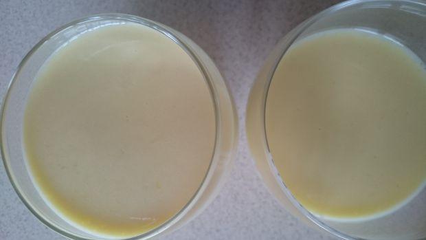 Pianka cytrynowo-waniliowa z jogurtem i odżywką