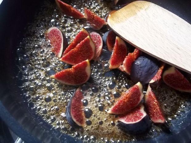 Piankowy deser z figami