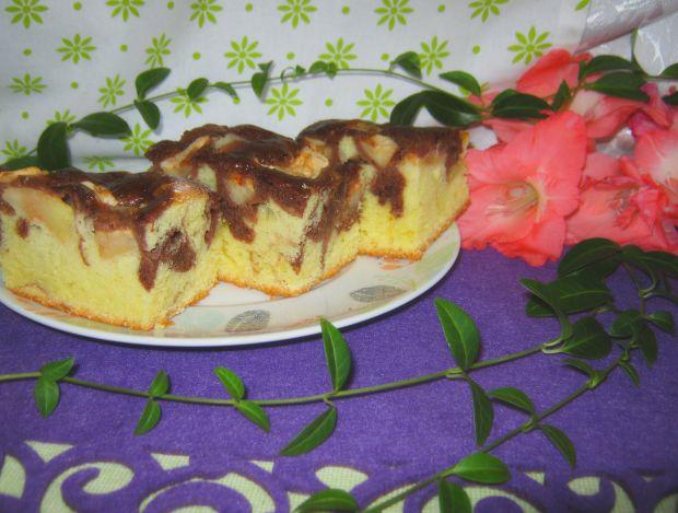 Piaskowe ciasto z jabłkami