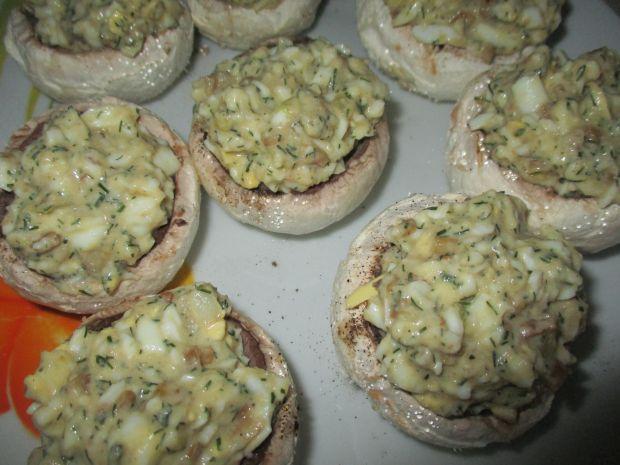 Pieczarki faszerowane jajkami