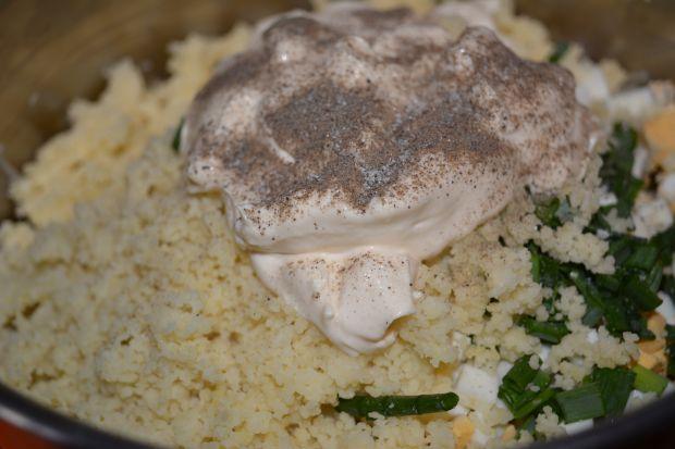 Pieczarkowa sałatka z kaszą kuskus