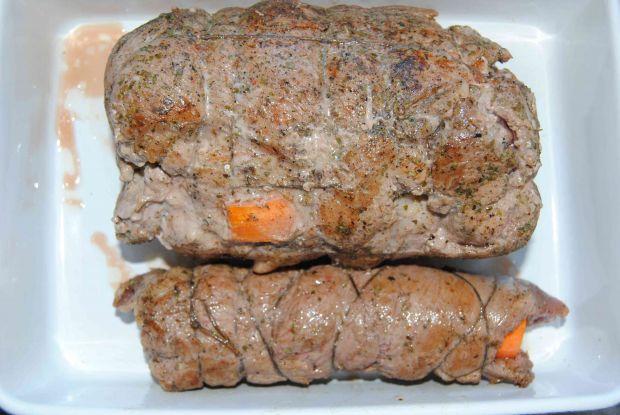 Pieczeń cielęca z marchwią i boczkiem
