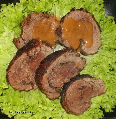 Pieczeń wołowa w sosie śliwkowym
