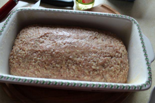 Pieczeń z indyka z kaszą jaglaną i szpinakiem