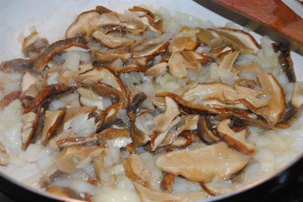 Pieczeń z suszonymi grzybami