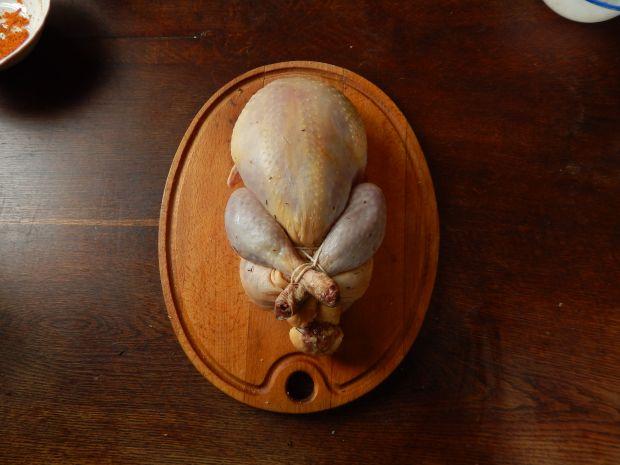 Pieczona luzowana perliczka