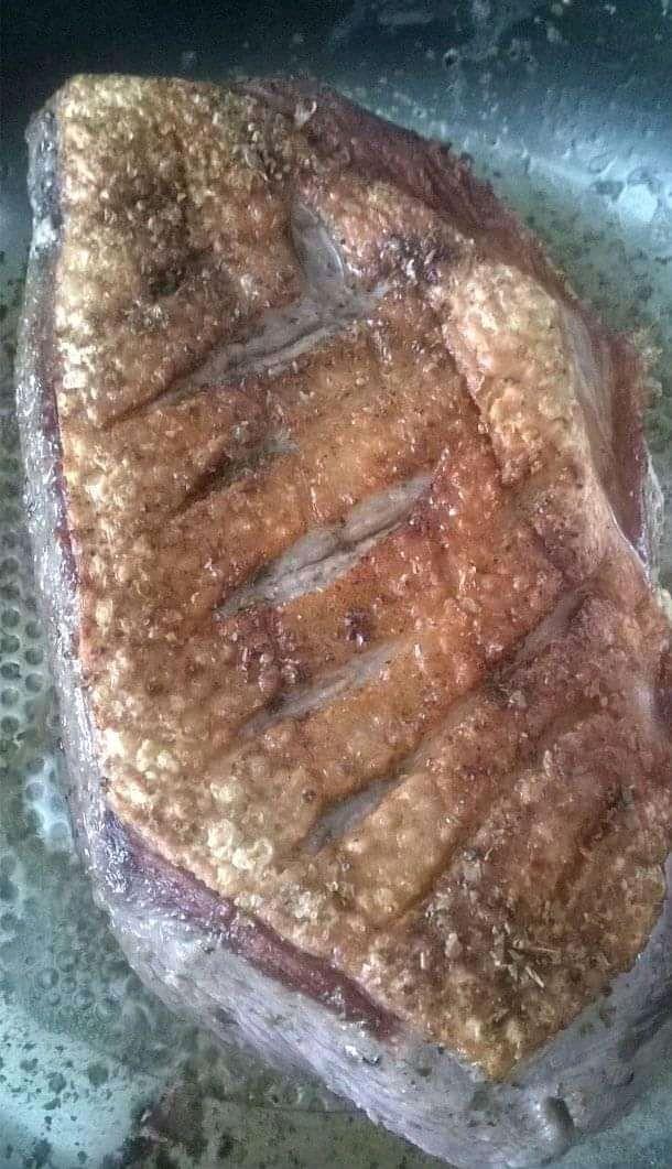 Pieczona pierś z kaczki z jabłkami i kaszą jaglaną