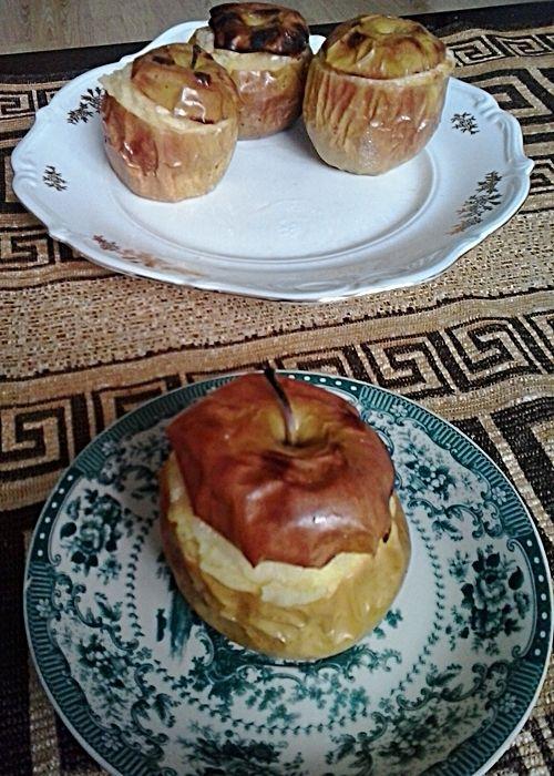 Pieczone jabłka z nadzieniem