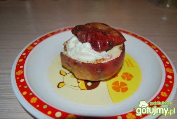 Pieczone jabłuszka z serkiem
