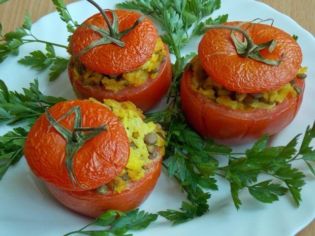 Pieczone pomidory z soczewicą