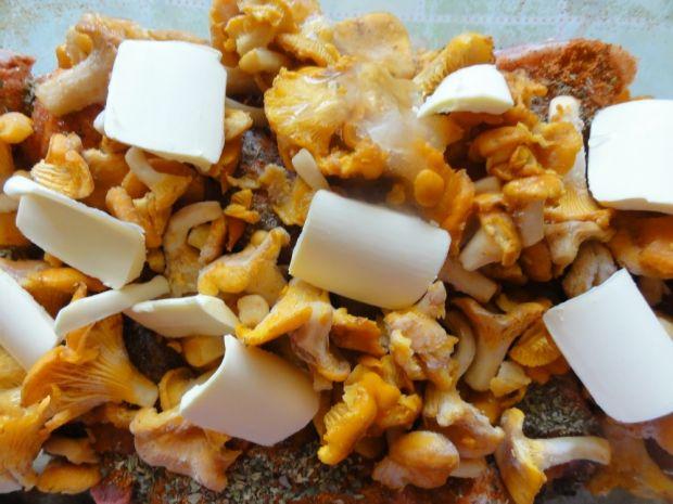 Pieczone udka z kurkami