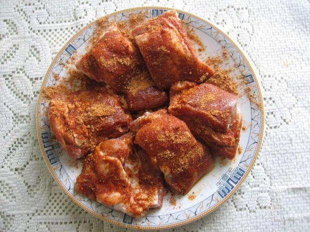 Pieczone żeberka w sosie własnym