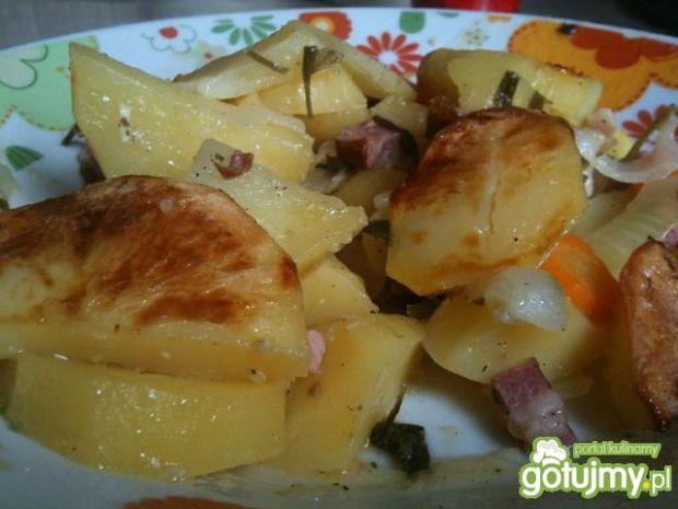 Pieczone ziemniaki z boczkiem
