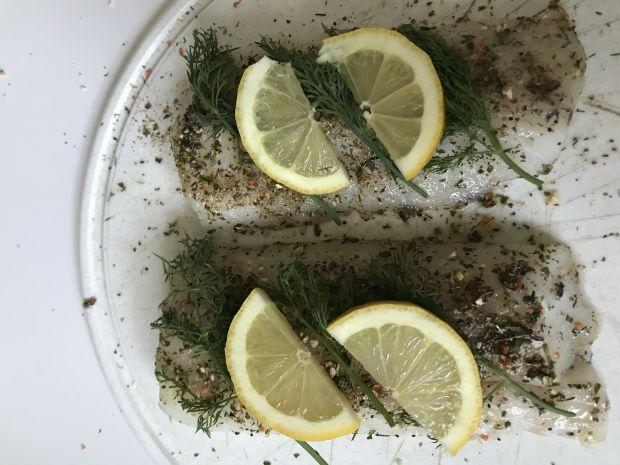 Pieczony dorsz atlantycki z ziołami i mieszanką