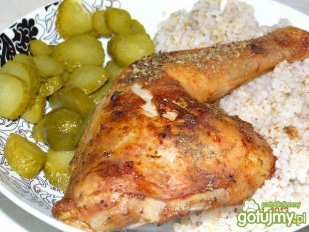 Pieczony kurczak na kaszy.