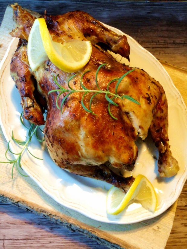 Pieczony kurczak w winie i rozmarynie