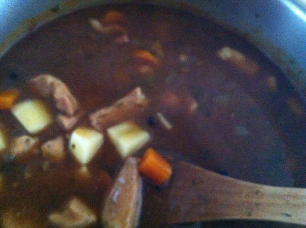Piekielna zupa gulaszowa
