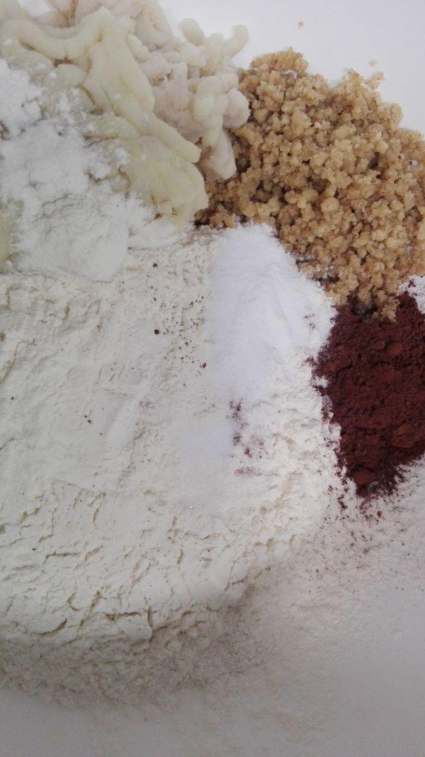 Pierniczki orzechowe z ziemniakami i czekoladą