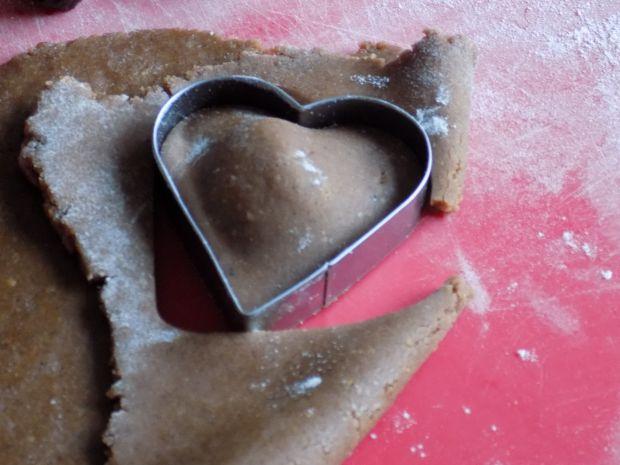 Pierniczki w polewie czekoladowej z suszoną śliwką