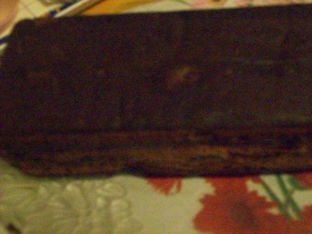 Piernik kakaowy z lukrem