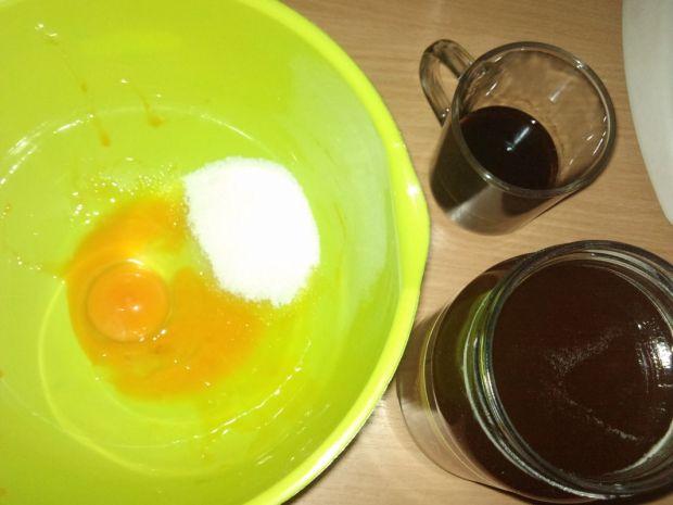 Piernikowe ciacho z miodem i kawą