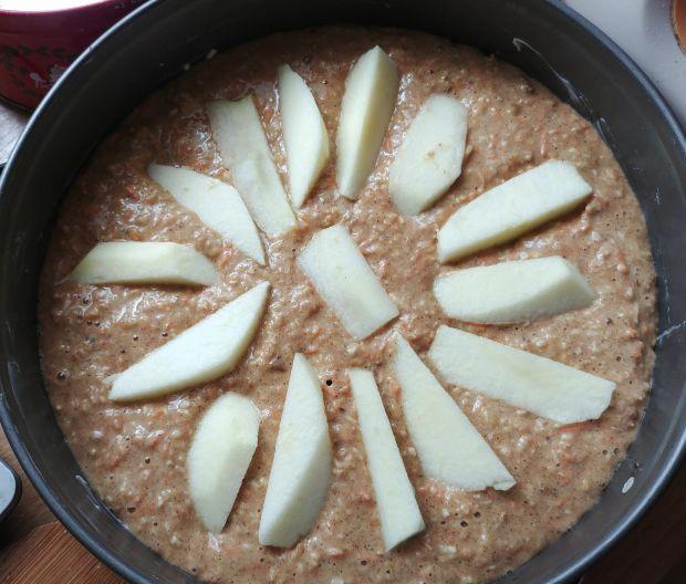 Piernikowe ciasto marchewkowe z jabłkami