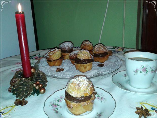 Piernikowe muffinki z budyniem