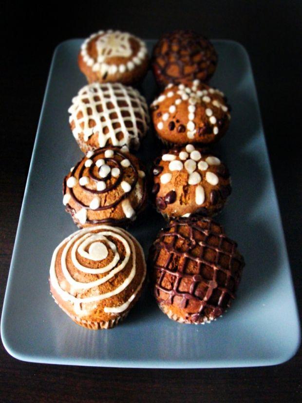 Piernikowe muffiny ze słodką niespodzianką