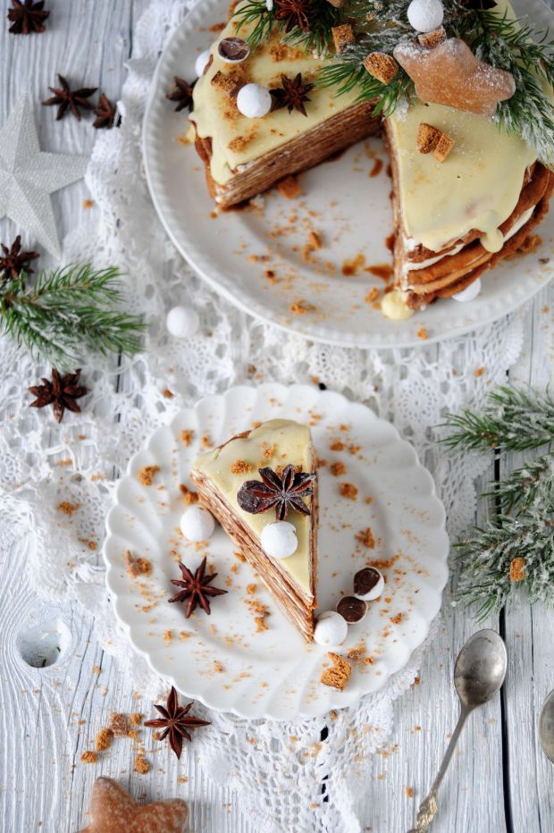 Piernikowy tort naleśnikowy