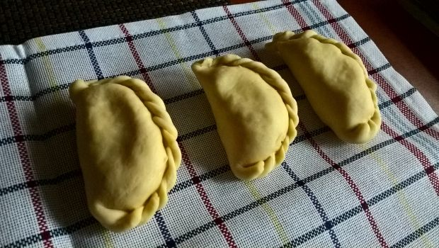 Pierogi ruskie na cieście z masłem