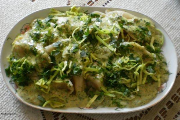 Pierogi ruskie z sosem serowo-ziołowym B