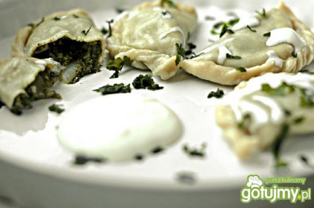 Pierogi szpinakowe z serem feta