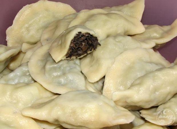 Pierogi z grzybami - Lejkowiec dęty