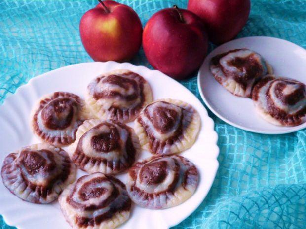 Pierogi z jabłkami